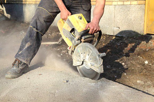 Алмазная резка проемов в бетоне в Санкт-Петербурге
