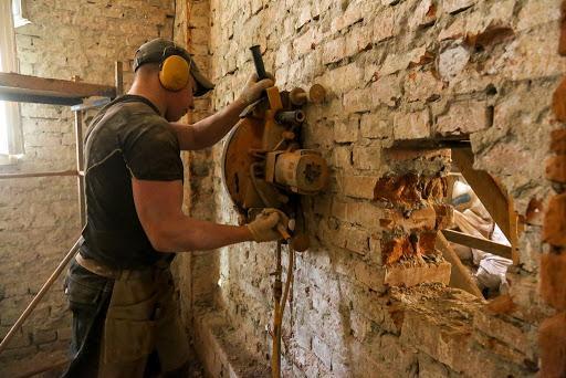 Алмазная резка стен в Санкт-Петербурге