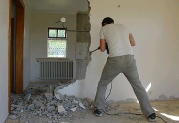 Демонтаж стен и перегородок в Санкт-Петербурге