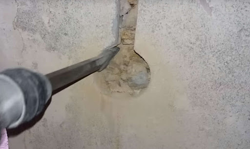 Штробление стен под розетку в Санкт-Петербурге