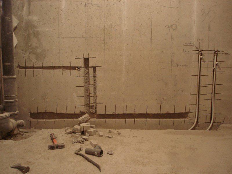 Штробление стен под трубы в Санкт-Петербурге